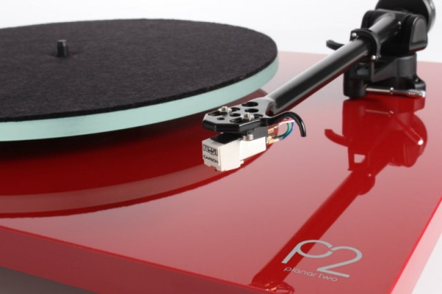 Rega Planar 2 (Carbon MM) Gloss Red