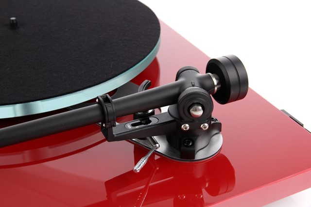 Rega Planar 3 Gloss Red
